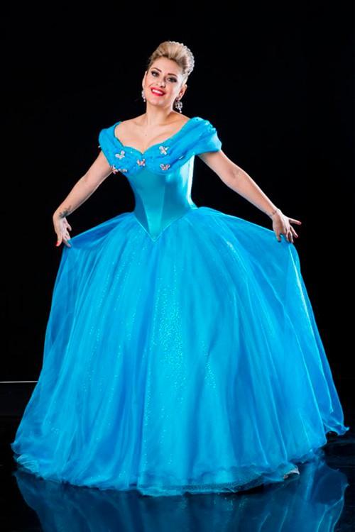 4b273e23f Vestido de 15 anos Azul Cinderela - Bella Angela