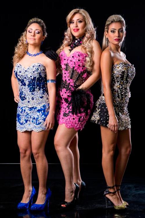 8c0e67618 Vestido de festa com brilho azul rosa preto - Bella Angela