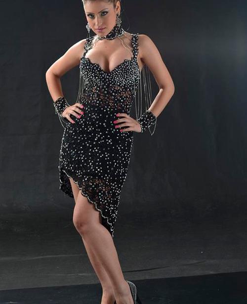 Vestido de festa preto curto com alca