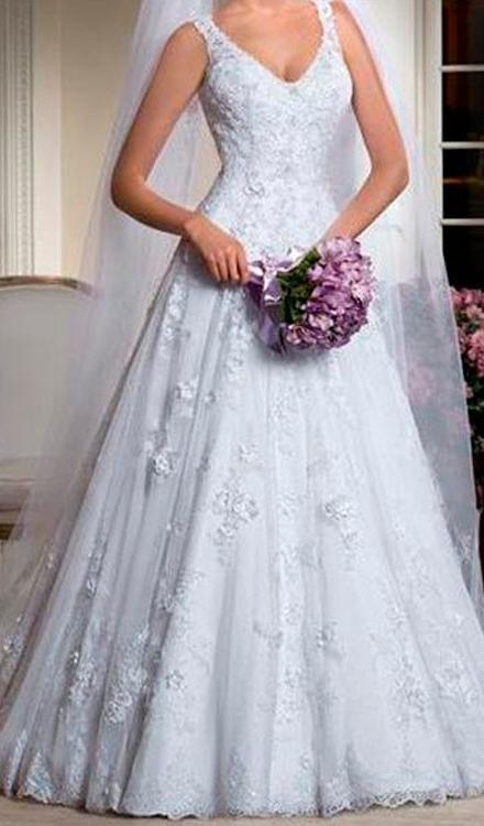 Vestido de noiva decote v princesa com renda