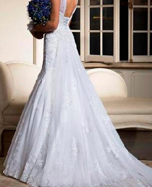 Vestido de noiva classico decote aberto nas costas
