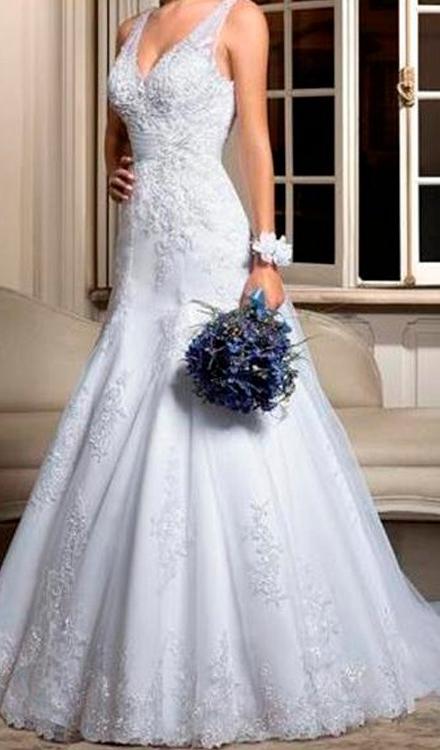 Vestido de noiva semi sereia decote em v