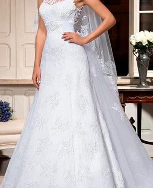 Vestido de noiva semi sereia frente única gola alta com renda