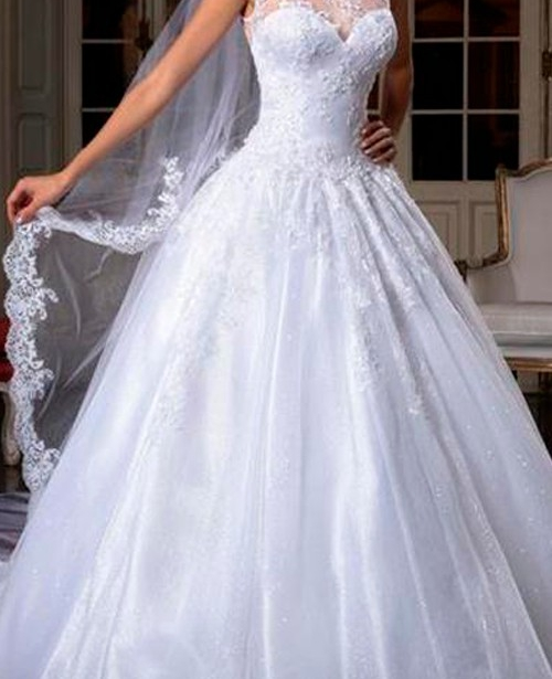 Vestido de noiva frente única decote coração