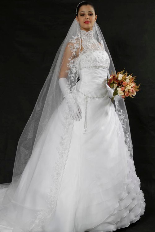 eb73b97cc3 Vestido de noiva princesa frente única gola alta tecido organza ...