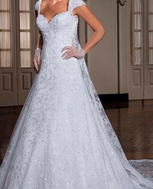 Vestido de noiva evase tomara que caia com manga curta