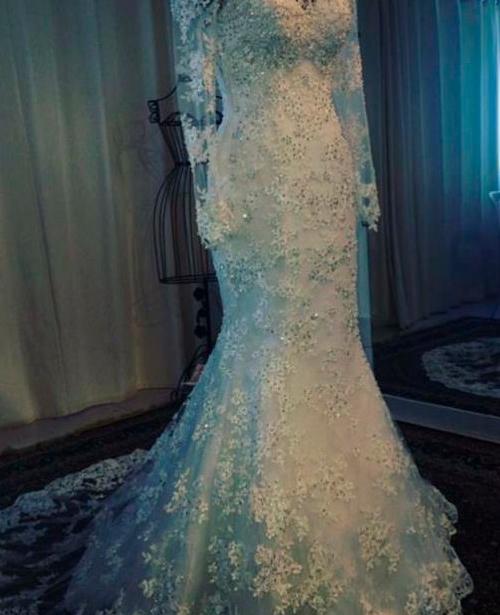 Vestido de noiva sereia manga longa com decote coração