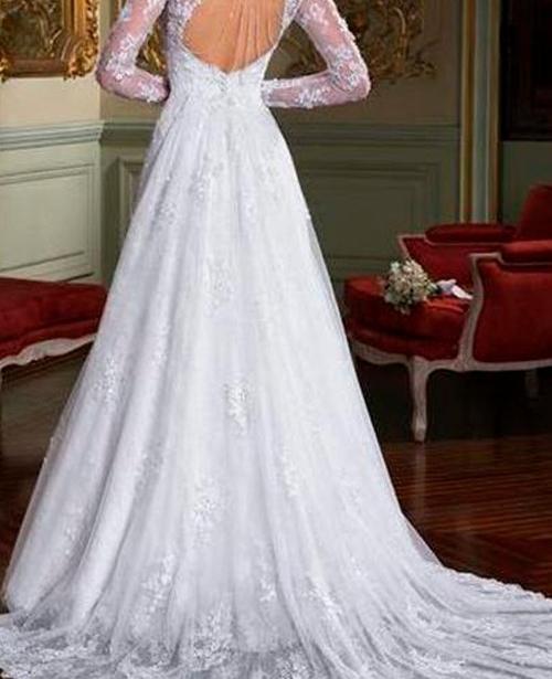 Vestido de noiva decote aberto nas costas manga longa com renda