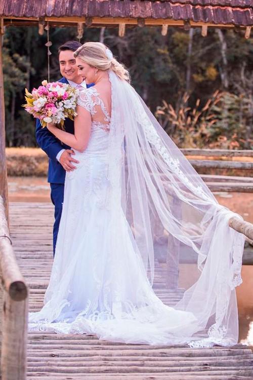 c77f92e9c0 Vestido de noiva longo simples com renda - Bella Angela