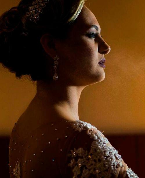 Vestido de noiva com renda tomara que caia