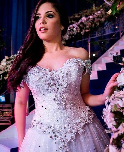 Vestido de noiva tomara que caia com manga com brilho