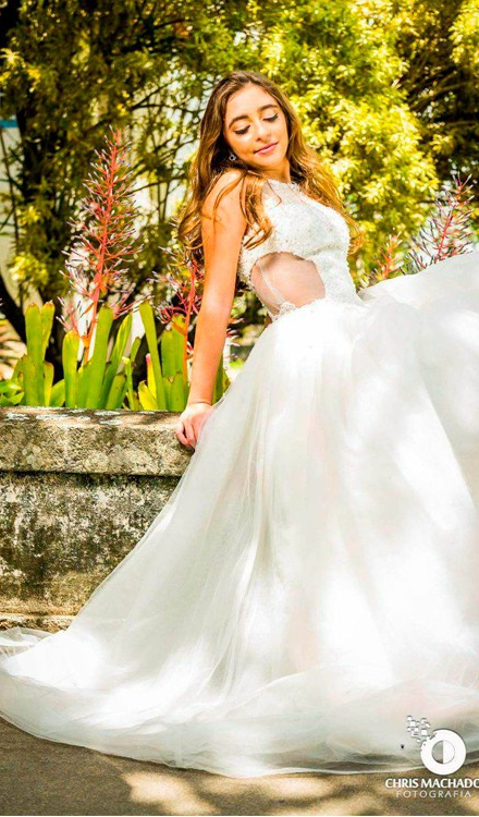 Vestido de noiva frente única com renda decote lateral