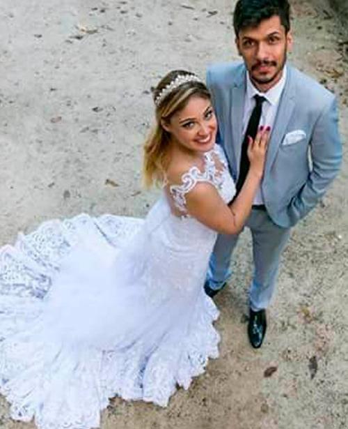 Vestido de noiva sereia frente única com renda