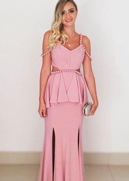 Veja como usar um vestido de festa durante a moda outono/inverno
