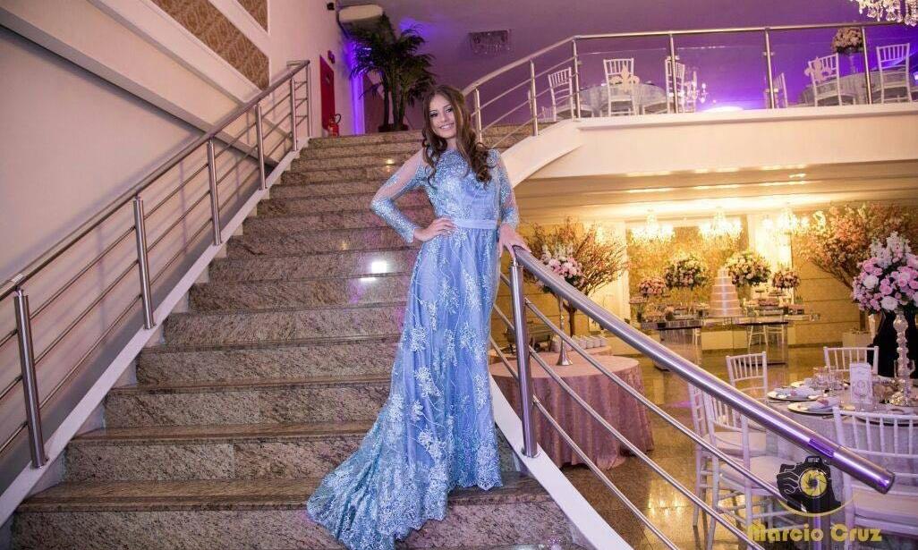 Vestido de Formatura Azul Claro com Cauda