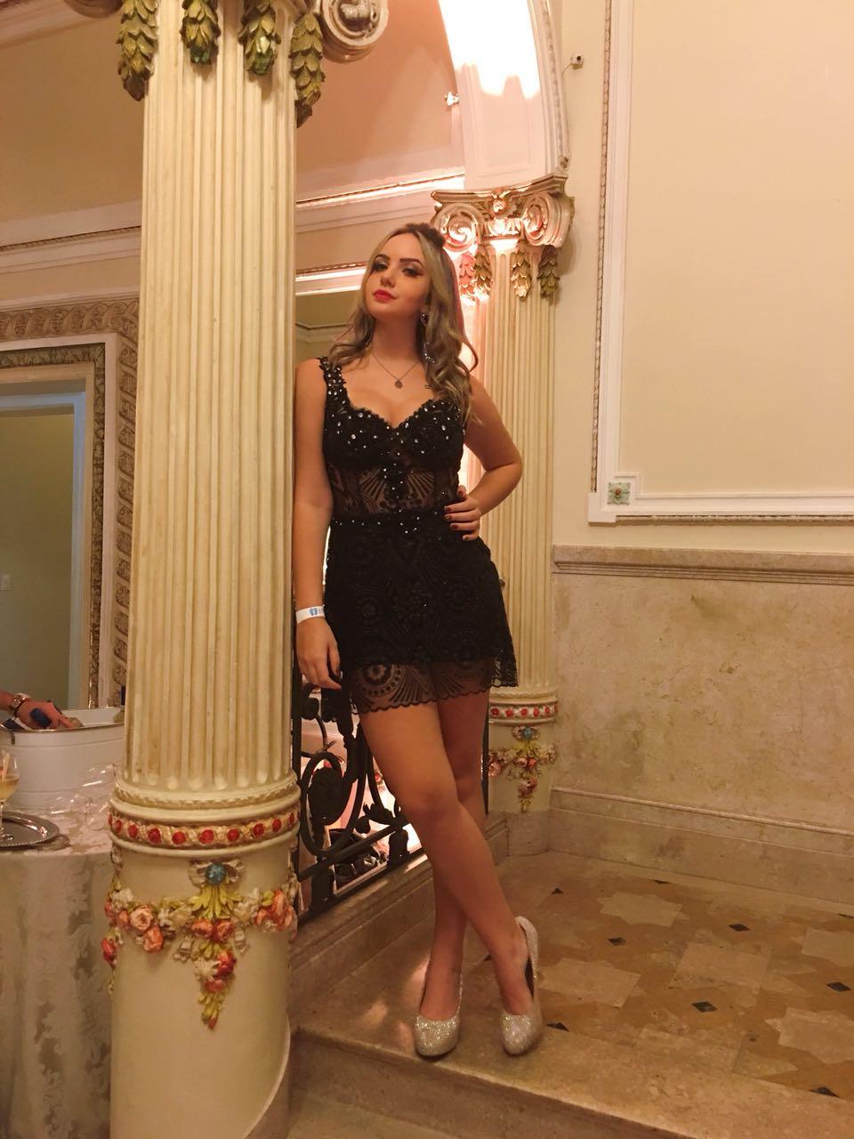 Vestido De Formatura Preto Curto Bella Angela