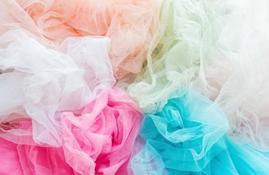 Vestidos de festa: conheça as cores que estarão em alta nos modelos de 2020!